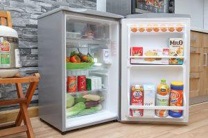 Tủ lạnh mini Aqua 90 lít AQR-95AR